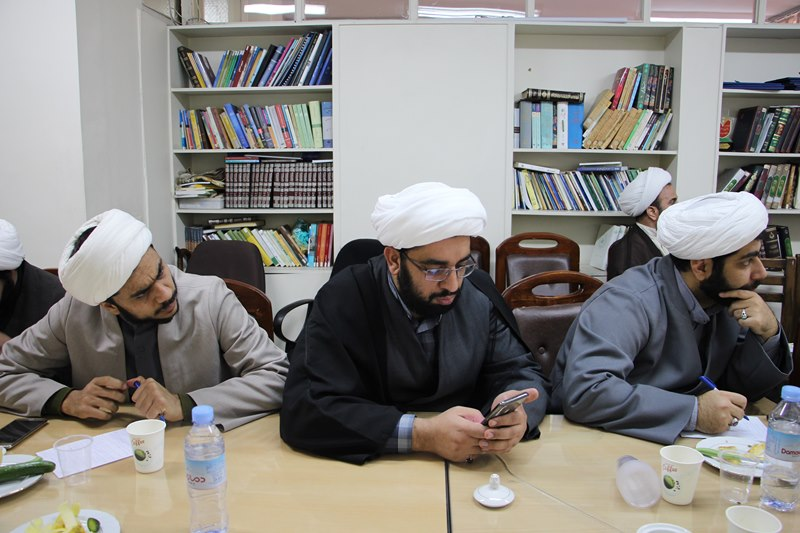 برگزاری کارگاه آموزشی ائمه جماعات دانشگاه با موضوع احکام