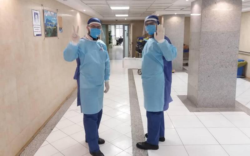 تصاویر خدمترسانی داوطلبان قرارگاه جهادگران همیار سلامت حضرت نرجس خاتون (س) در مجتمع بیمارستانی امام خمینی (ره)