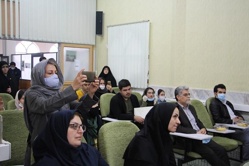 مراسم تجلیل از خدمات و جشن بازنشستگی مریم رضا زاده، مسئول تالار امام خمینی(ره)
