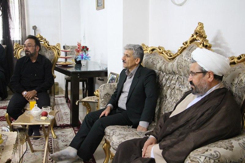 دیدار معاون نهاد نمایندگی مقام معظم رهبری در دانشگاه با خانواده شهید مدافع سلامت، داود غفاری