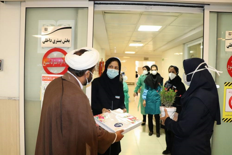 تجلیل از کادر درمانی و مدافعان سلامت بیمارستان ضیائیان به مناسبت دهه کرامت