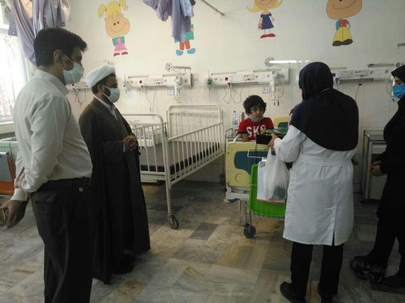 عیادت از کودکان بستری در بیمارستان ولیعصر (عج) به مناسبت میلاد امام رضا (ع)
