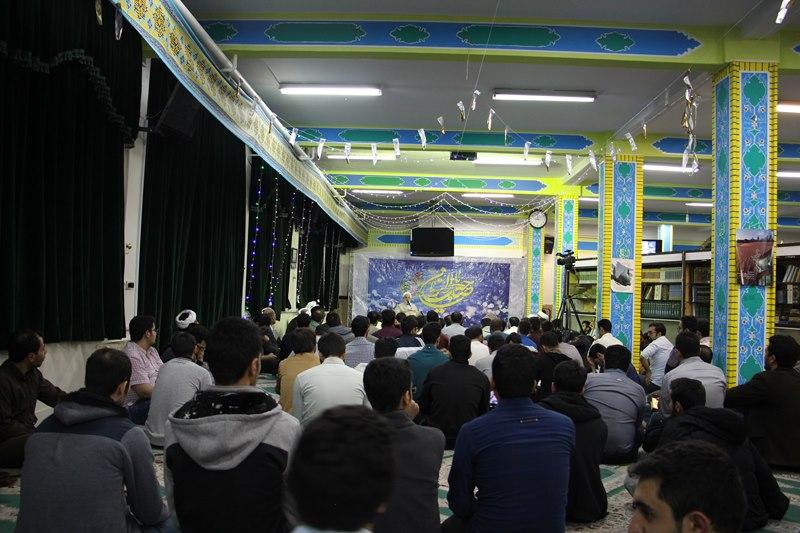 برگزاری جشن میلاد حضرت ولیعصر(عج) در خوابگاه کوی