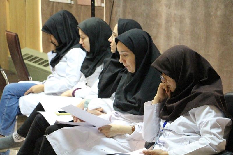برگزاری نشست هم اندیشی استادان با موضوع تعلیم و تربیت