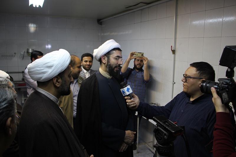 بازدید رئیس نهاد نمایندگی مقام معظم رهبری در دانشگاهها از خوابگاه کوی دانشگاه علوم پزشکی تهران