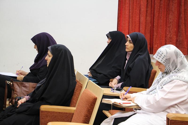 کارگاه دانشافزایی استادان با موضوع تفسیر قرآن ویژه ماه مبارک رمضان در دانشکده پرستاری و مامایی